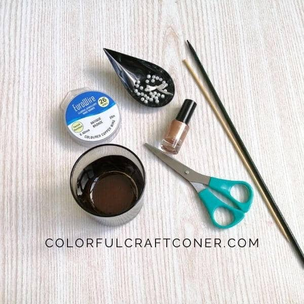 DIY mini wreath tools and supplies