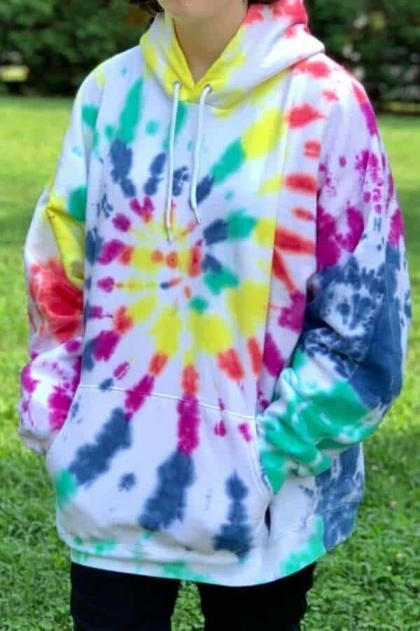 tie-dye-hoodie