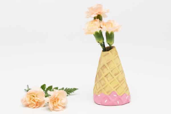 DIY clay vase