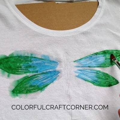 DIY dragonflyy T-shirt idea