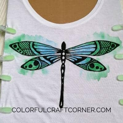 DIY dragonfly T-shirt with fabric pen